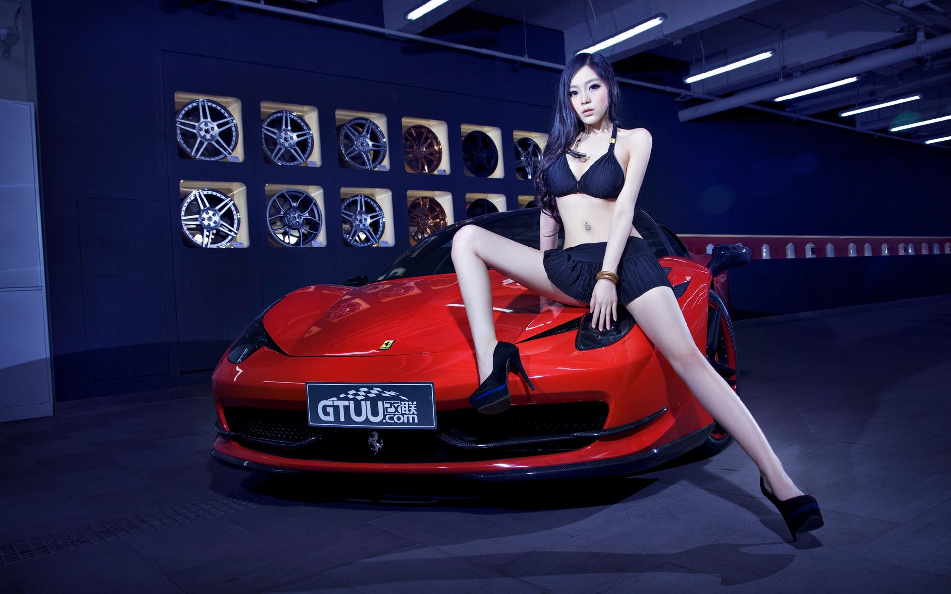 法拉利性感美女车模壁纸